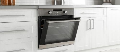 Piekarnik w zabudowie – czyli jak wykorzystać przestrzeń w kuchni